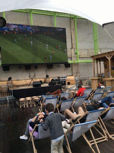 ouse Of Switzerland_Match de Foot_Ecran Géant_Expressionsdenfants
