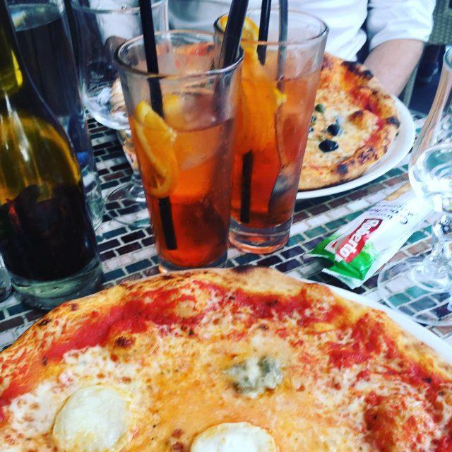 Soire en amoureux parissansenfants spritz pizza terrasse paris
