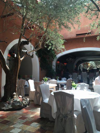 Le Sud_Brasserie Provençale_Patio_Expressionsdenfants