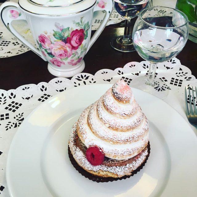 Une Polonaise dans un restaurant Autrichien  Paris un joliehellip