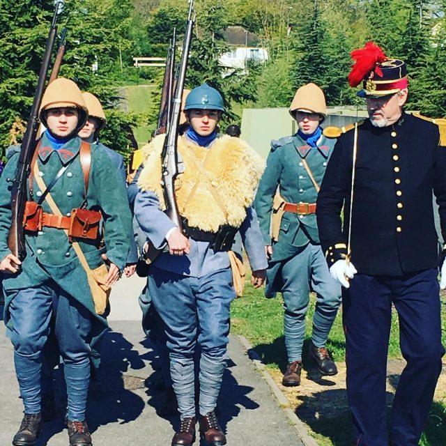 Croiser des soldats russes de 1418 en plein museedelagrandeguerre dehellip