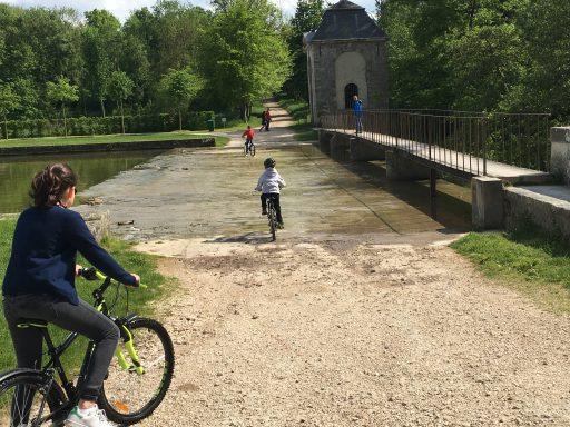Vaux-Le-Vicomte _Jeux de la Fontaine_Vélo_Expressionsdenfants