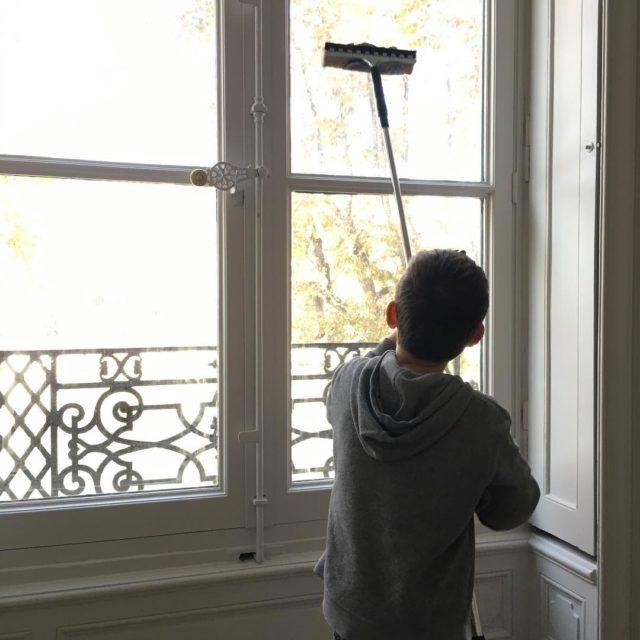Quand les enfants trouvent que nettoyer les vitres est trshellip