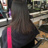 Restructurer ses cheveux grâce au lissage brésilien enzymothérapie