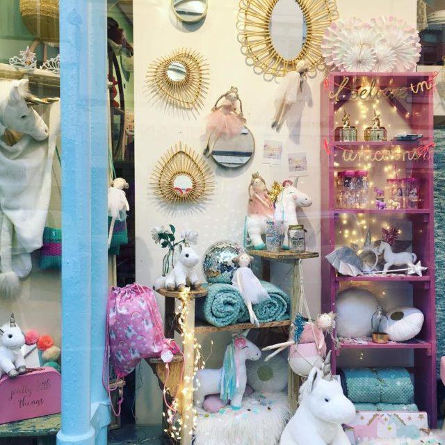 Jolie vitrine licorne au Petit Souk de La Rue dehellip